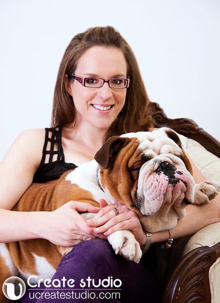 Sara-_bulldog-portrait_Daisy-Hsieh-photographer_U-Create-Studio